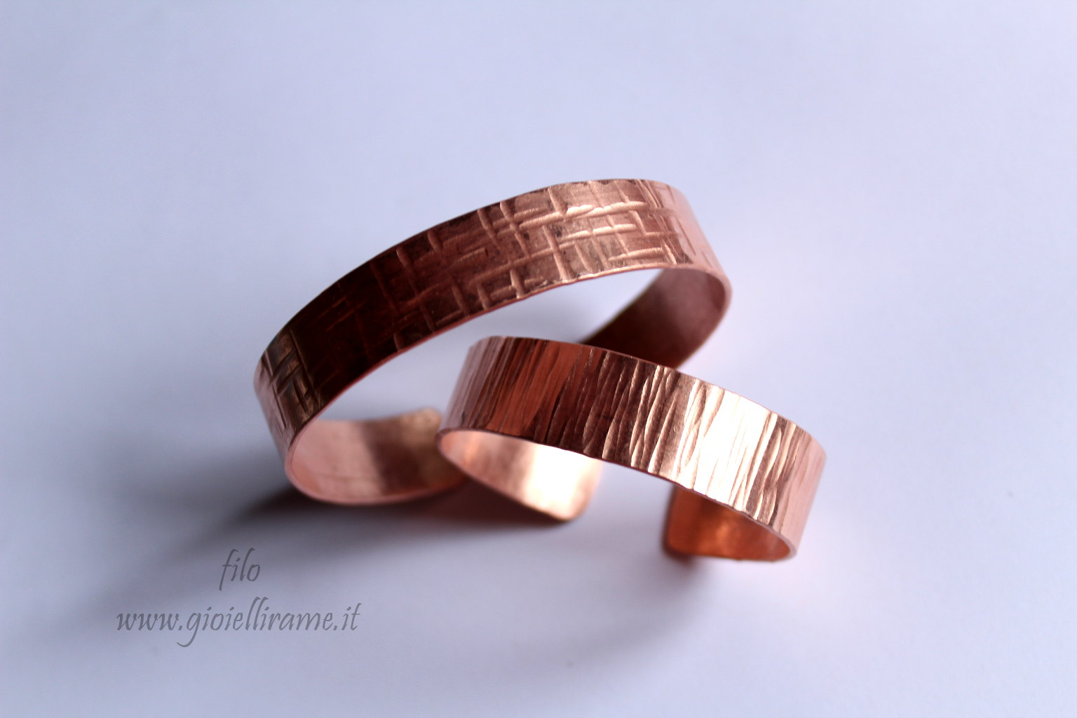 adatto a uomini/donne ottima vestibilità migliore collezione Coppia di bracciali per Giulia
